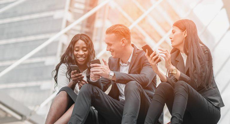 Mobile Endgeräte, Apps und Inhalte effizient und sicher managen